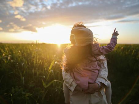 Le slow parenting, retrouver son rythme naturel en famille