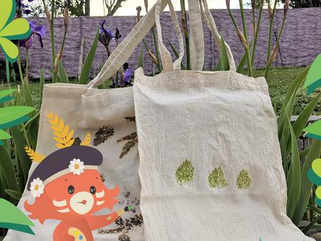Activité DIY fête des mères facile : impression végétale sur tissu
