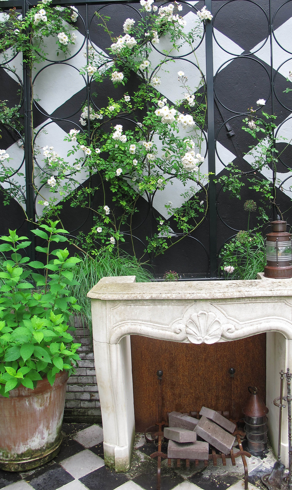 outdoor fireplace, trellis, lantern, upcycling,