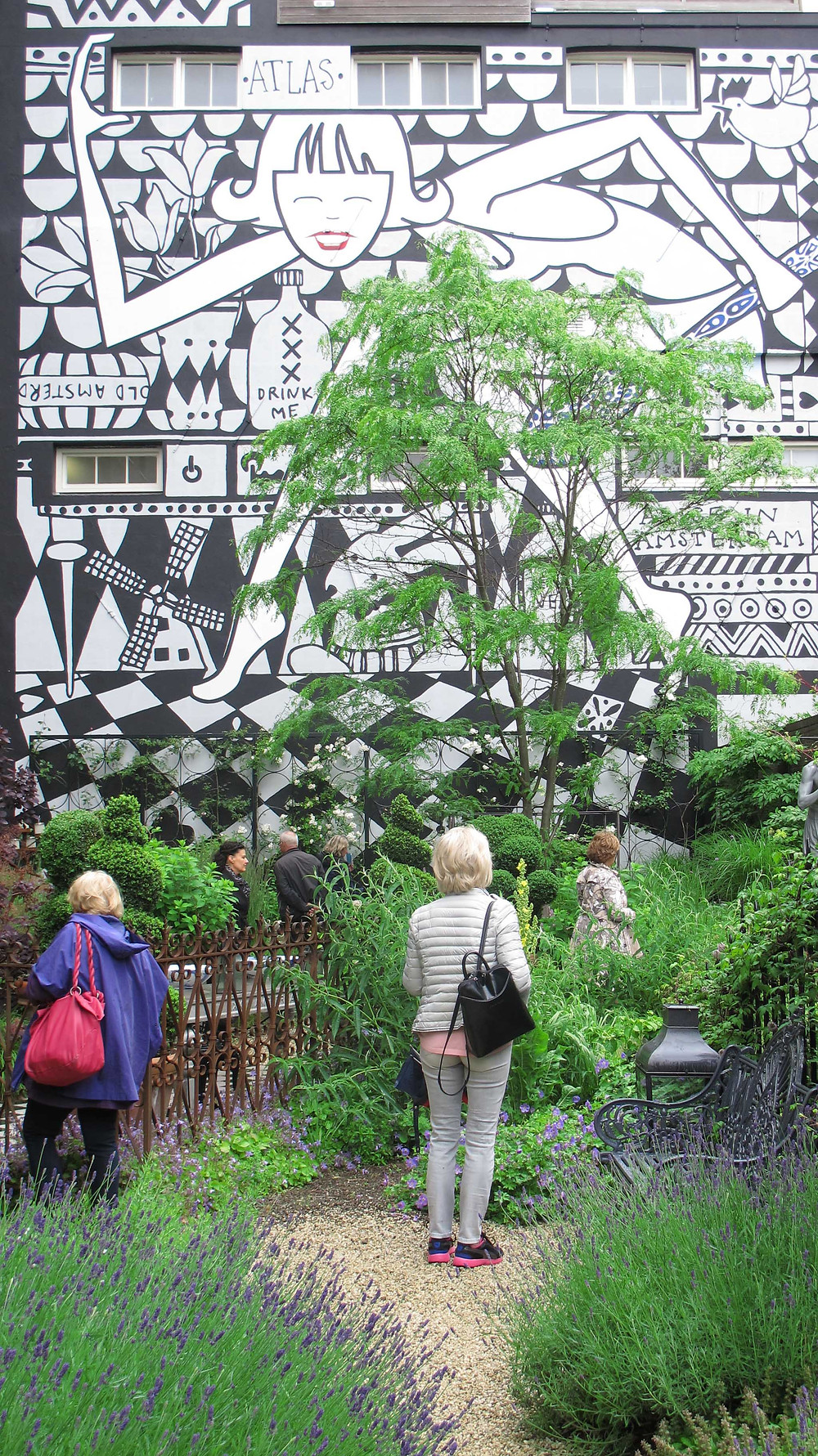 mural, graffiti, alice in wonderland garden,