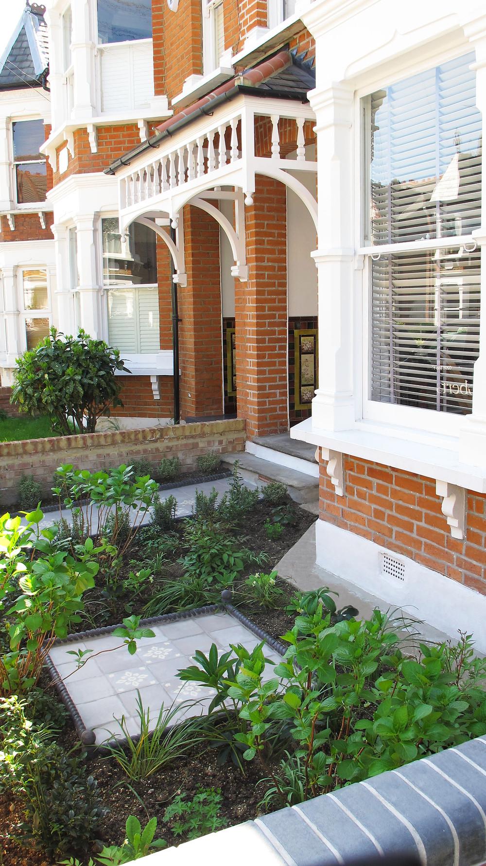 Victorian Style front Garden
