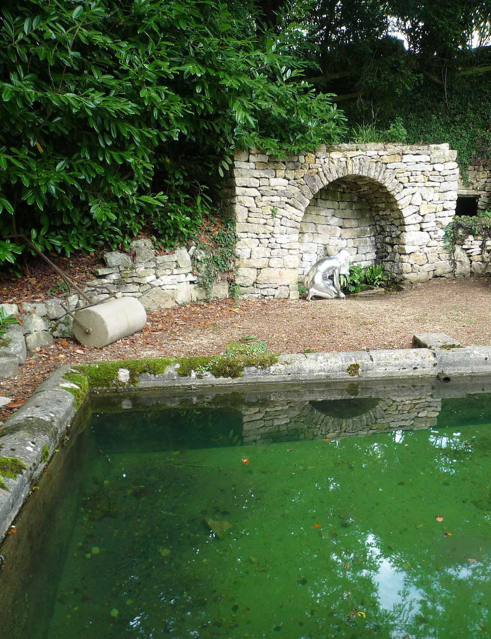 romantic garden, ricoco garden, pool, sculpture, grotto, arch, stone,