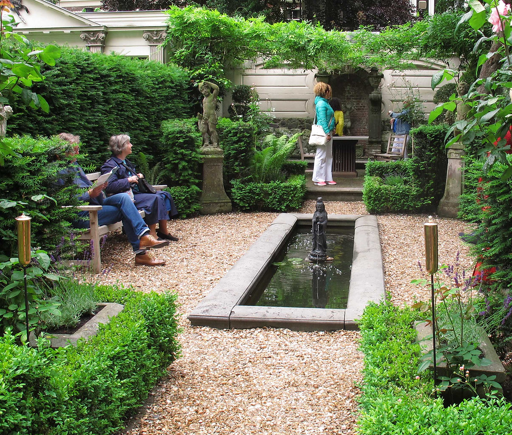 amsterdam open garden, classical statues, formal pond, fountain,