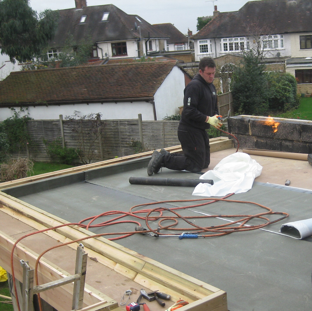Installing a green roof, waterproofing.