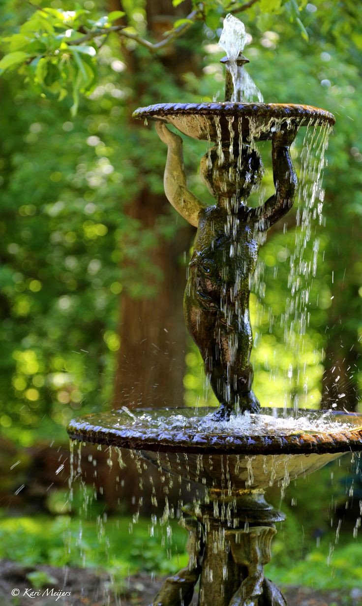 fountain, waterfeature, cherub, antique, stone, classical,
