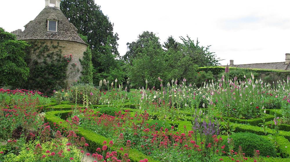 dove cote, foxgloves,box hedging,walled garden,valerian,garden visit, rousham garden, cotswold garden, gardens nr oxford,