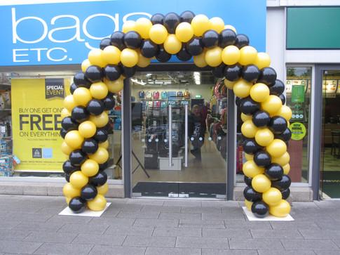 Balloon Spiral Arch