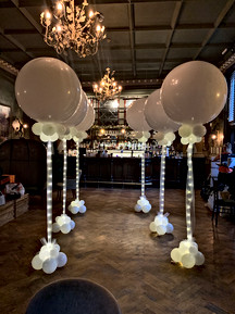 3 Ft balloons with lights