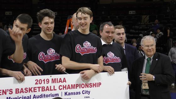 The Northwest Bearcat Men's Basketball Team win MIAA Championship