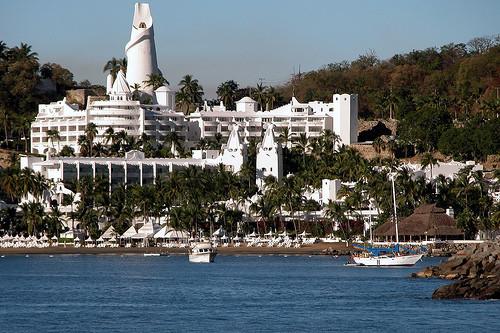 las-hadas-resort[1].jpg