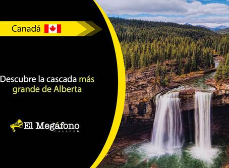 Kakwa Falls una de las cascadas más impresionantes de Canadá