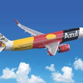 Disney e Azul apresentam 1º avião dos 50 anos de Walt Disney World