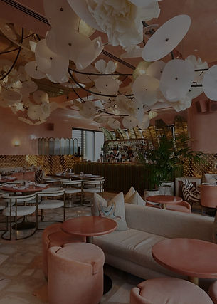 Dubais-Top-10-Luxury-Restaurants-For-One-Thousand-and-One-Experiences-4_edited.jpg