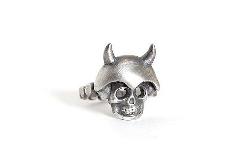 Rustic Skull Horns Ring