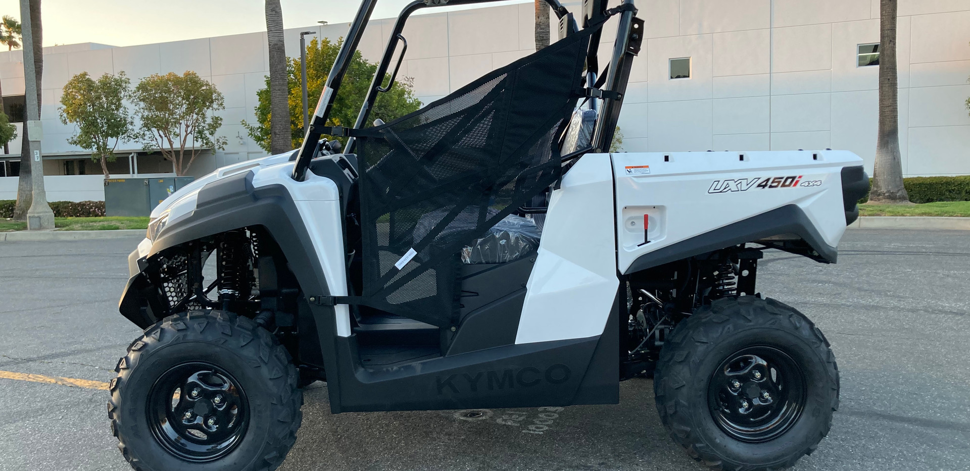 KYMCO UXV 450i White 4x4 Fuel Injected Sport Utility Side by Side