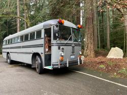 bus52gray.jpg