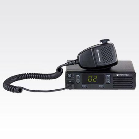 MOTOTRBO™ RADIO MÓVIL DE DOS VÍAS DEM™300
