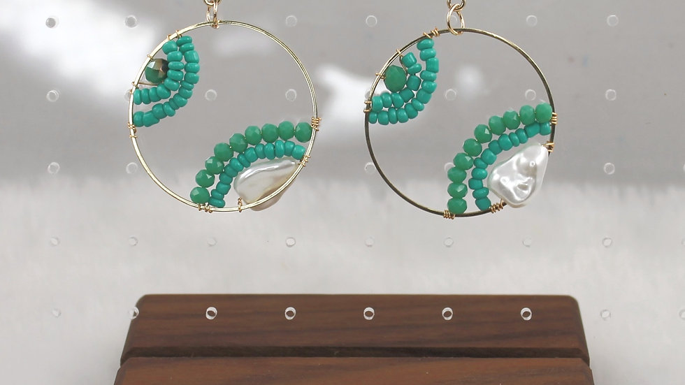 Gold & Turquoise beaded round earrings