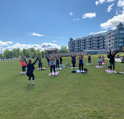 Yoga in the Lakeside Park