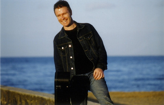 Andrew Wallace Band Member Solo pic 3.jpg