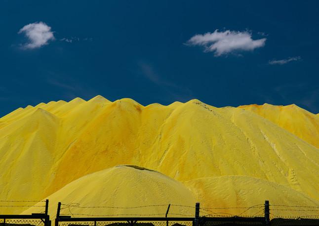 Sulphur mounds awaiting shipment