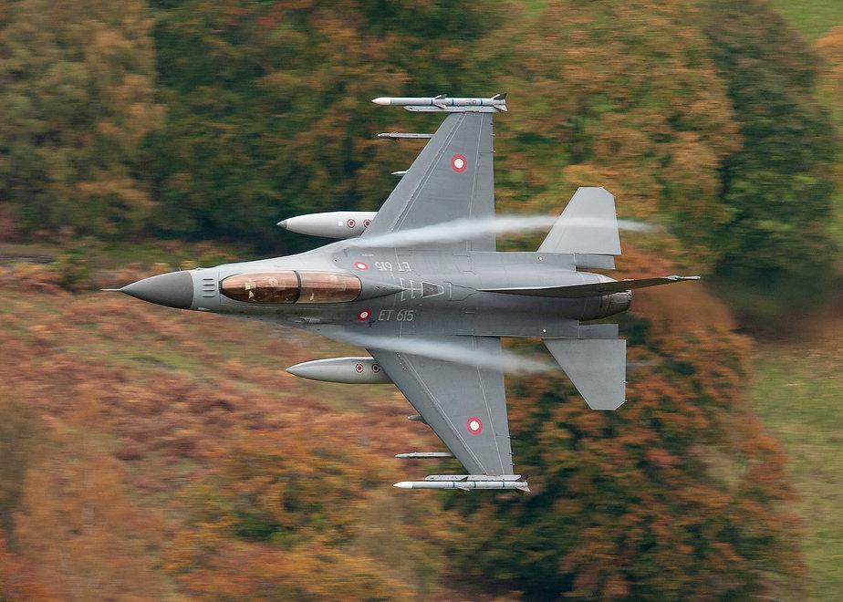 010 ANDY SHEPPARD RDAF F16 LOW LEVEL SCO