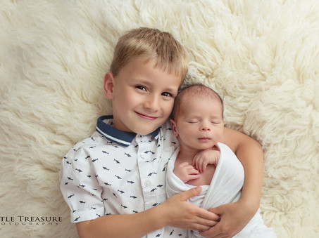 Family of 4 | Family Photographer Grays Essex