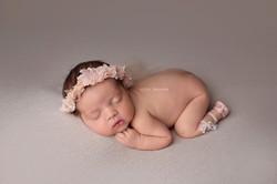 newborn photo session chafford hundred