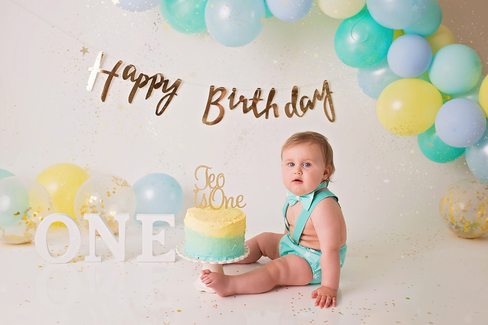 What an amazing and fun way to celebrate 1st birthday - Cake Smash and Splash photo session!