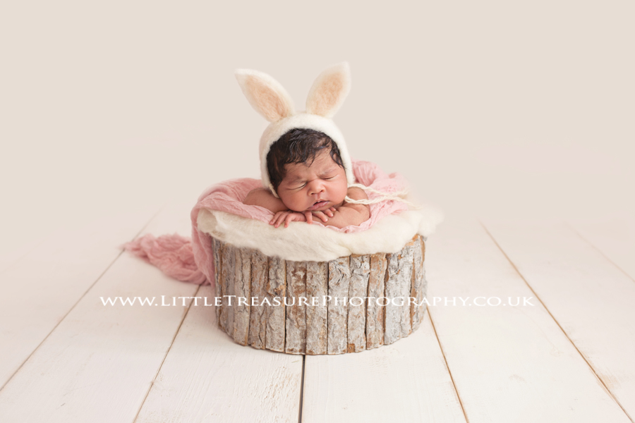 newborn photographer London Essex