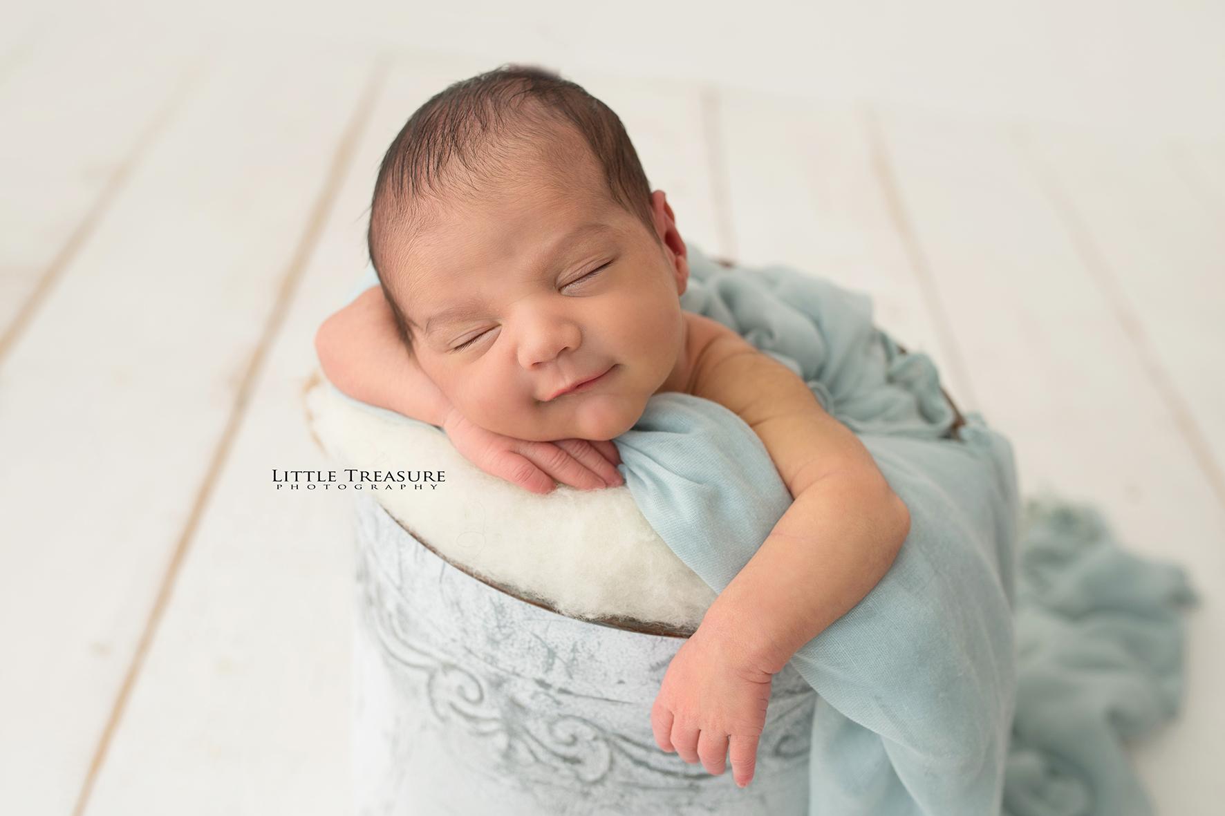 Romford Newborn Baby Family Photographer 7