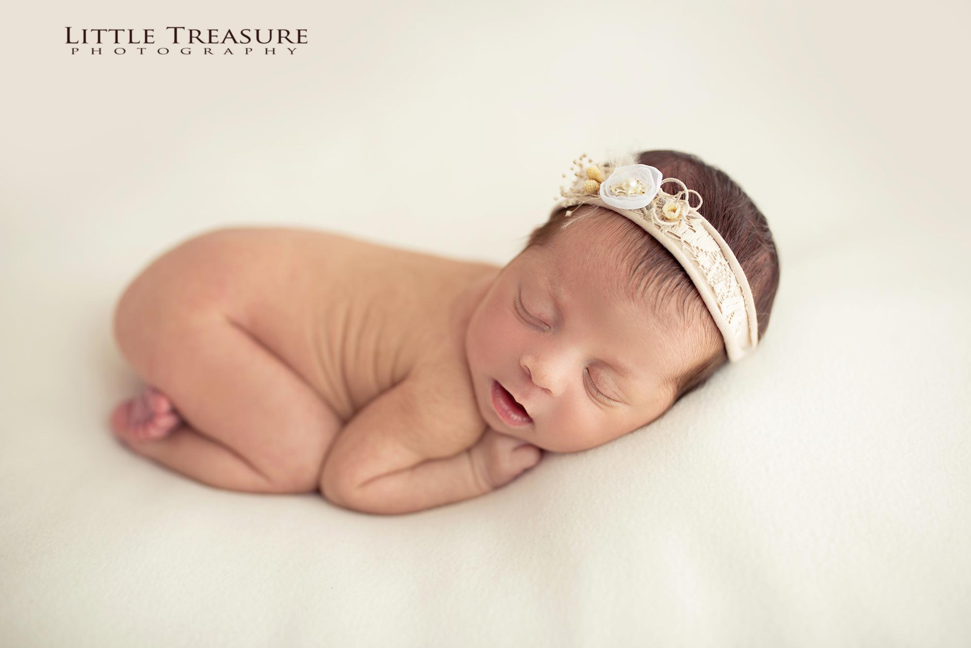 Newborn photographer Kent
