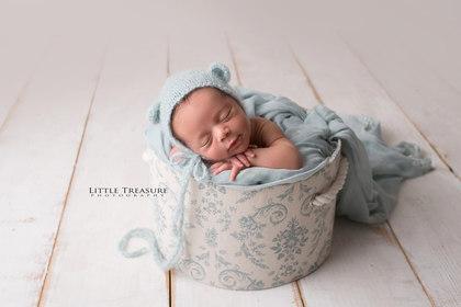 Kent Newborn Baby Photographer.jpg