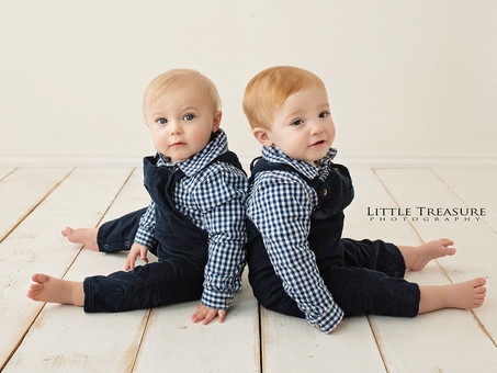 Hugo and Austin | Twins Mini Photo Session Grays, Essex