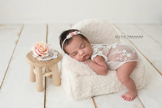 thurrock newborn photographer.jpg