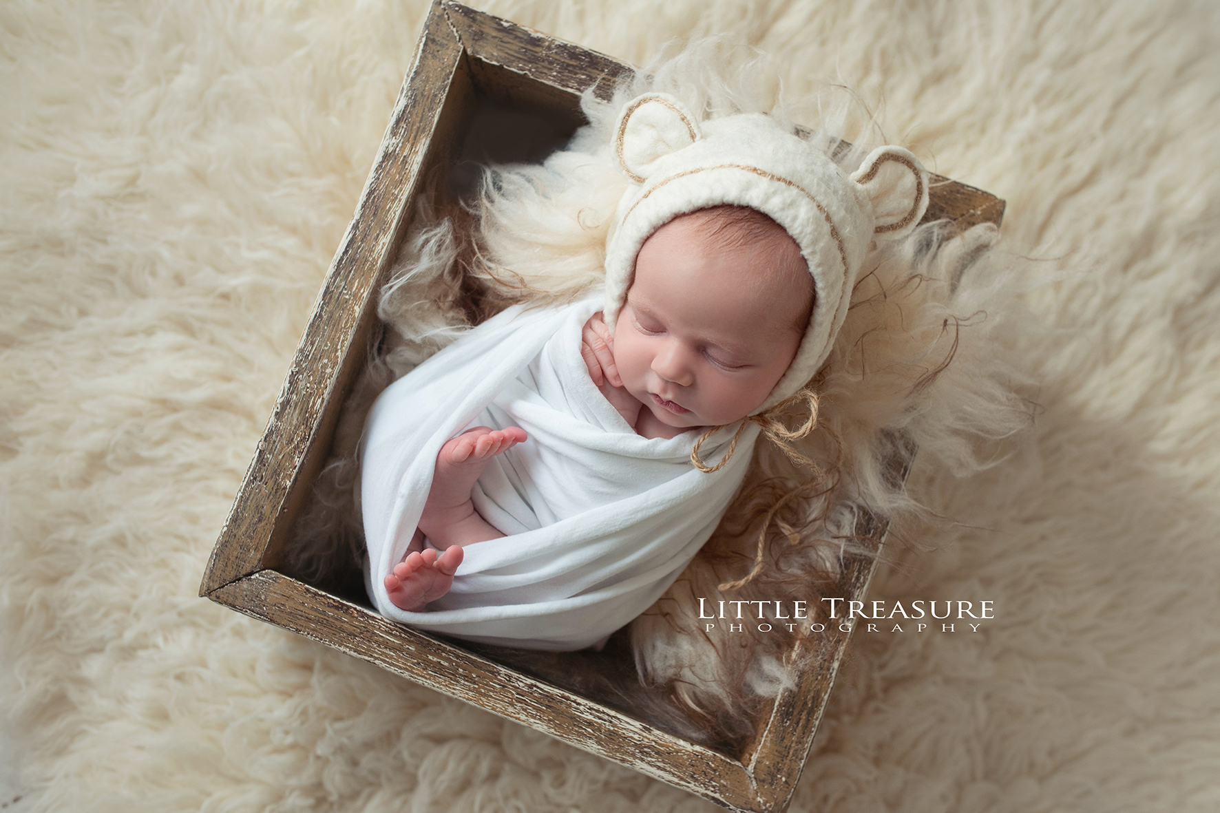 Hornchurch newborn photographer