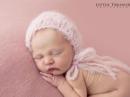 Dolly, 7 days new   Romford Newborn Photographer