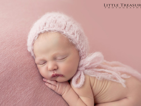 Dolly, 7 days new | Romford Newborn Photographer