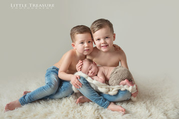 Hornchurch Newborn Baby Photographer 3.j