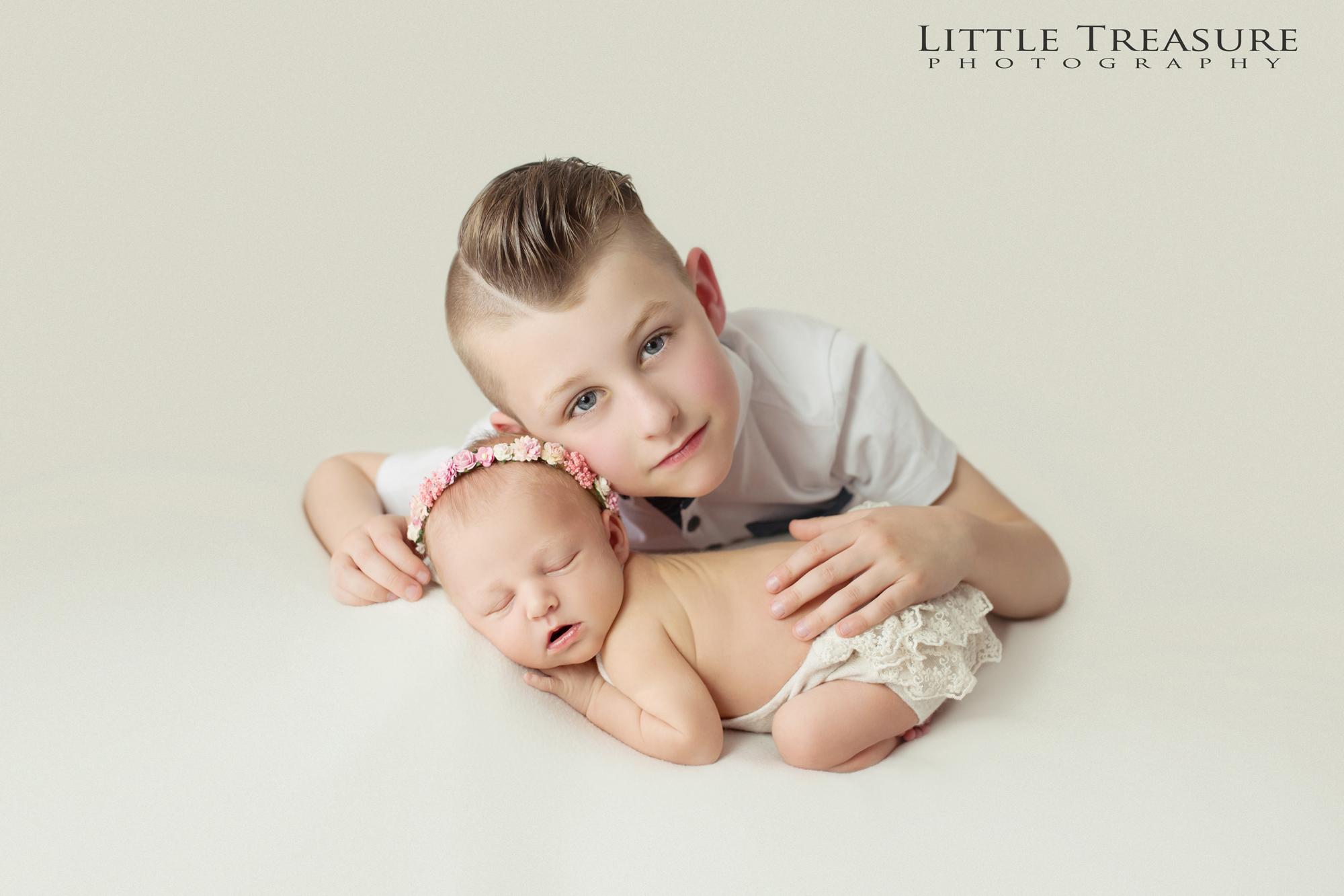 Dagenham newborn photographer