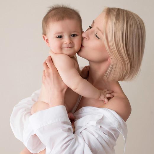 luxury newborn photographer chigwell.jpg
