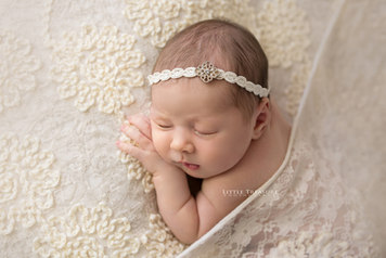 London Newborn Baby Photographer.jpg