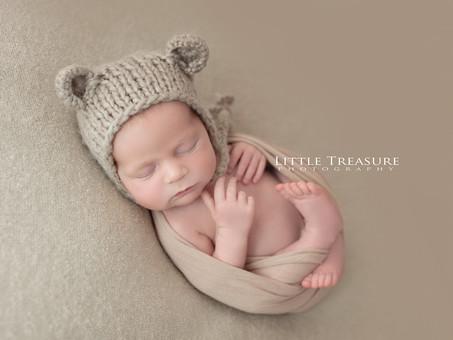 Family of 5 | Newborn Photographer Grays Essex