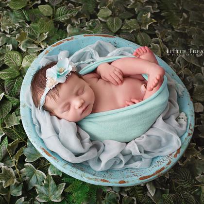 Charlotte   Newborn Photo Session Grays Essex