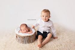 newborn photo session chafford hundred e