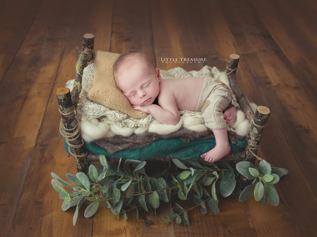 Two perfect pictures | South Ockendon Newborn Baby and Family Photographer