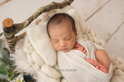 Romford Newborn Baby Family Photographer 9