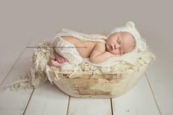 Thurrock Newborn photographer