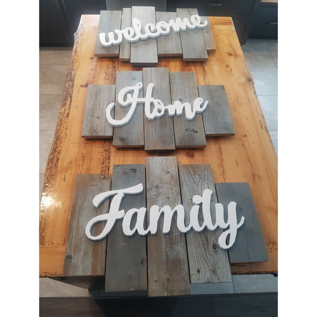""" Welcom Home Family "" Wooden Signs"