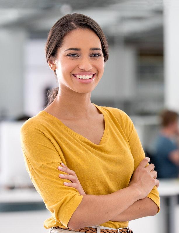 Portrait de jeune femme d'affaires